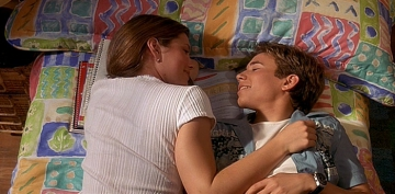 Jonathan Taylor Thomas and Jessica Biel in I'll Be Home for Christmas