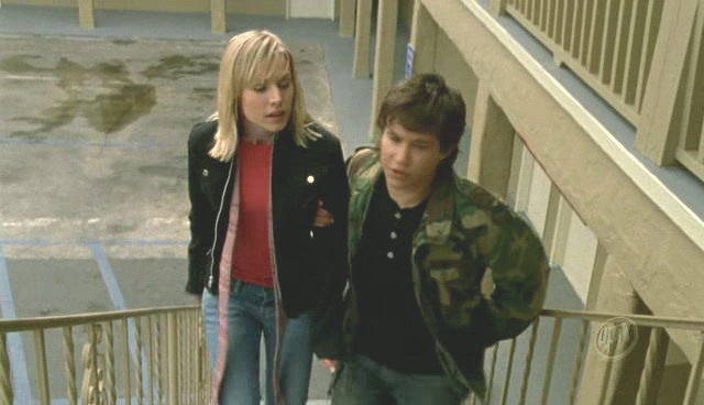 Screen captures from Veronica Mars episode titled Weapons of Class Destruction